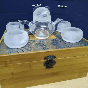 巴西(BRA)水晶矿提纯熊猫磨砂盖茶具礼盒(1壶4厚砂杯)礼盒#835103050