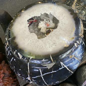 玛瑙聚宝盆摆件 17003575